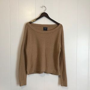 Abercrombie & Fitch • Camel Thick Knit Sweater